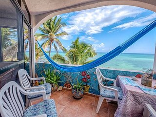 Beachfront condo with an Incredible Ocean View - AC, Wifi