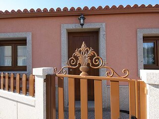 House - 2 Bedrooms with Sea views - 102005