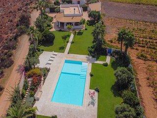 Villa Le Rondini, piscina privata, ampio giardino a 700m dal mare