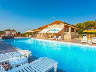 Villa Psaropouli: Large Private Pool, A/C, WiFi