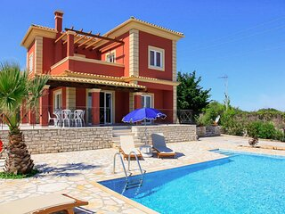 Villa Ioanna: Large Private Pool, A/C, WiFi