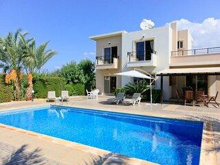 Villa Themis: Large Private Pool, Sea Views, A/C, WiFi