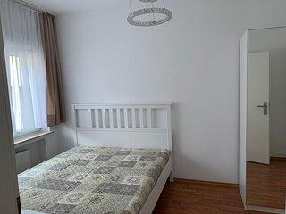 Private Apartment Neu Sanierte Wohnung mit Bad und Küche