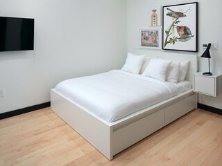 Your NICHE Room with 1 bath in University City   Unit 2B