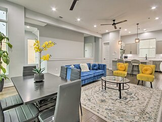 NEW! Luxury Townhome - 1/2 Mi to Museum District!