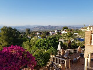 A beautiful guest house, private pool and panoramic views - Room 1 of 2