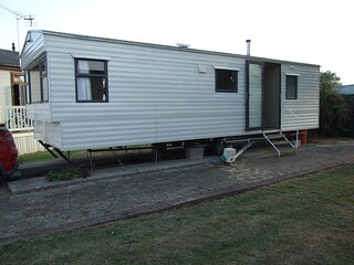 6 berth mobile home to hire at Steeple Bay Holiday Park, Essex ref 36006A