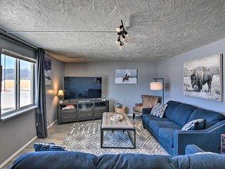 NEW! Rocky Mtn Retreat w/ Hot Tub Access & Views!