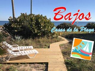 Casas de la Playa Bajos on A1A - Downstairs Cottage!