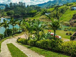 Lake House El penol - Guatape Colombia