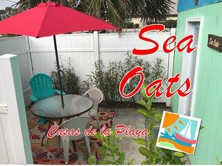 Sea Oats at Casas de la Playa Central - Downtown!