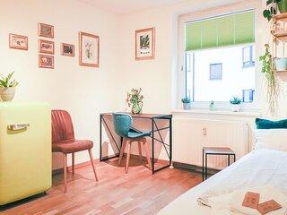 Urban Jungle Designer Apartment - brand new bathroom!