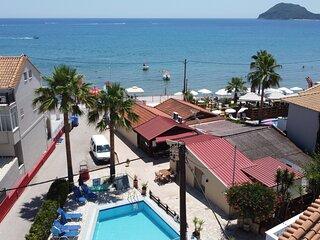 Manthos Beachfront Apts & pool Apartment 19