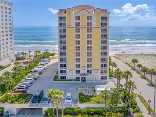 New Luxurious Direct Oceanfront OPUS 3Beds 3Baths Fall Special