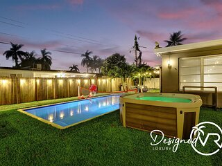 Comfortable Luxurious Home-**Heated Pool ** �� ����������