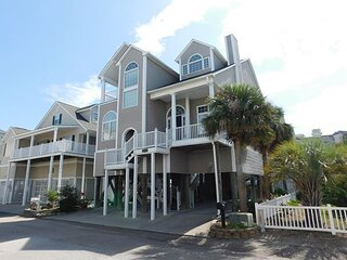Amazing 4BR Beach House Steps Away from the Ocean! Close to Everything