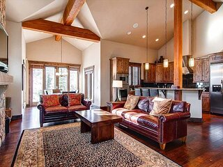 The Shores 229 Townhome: Peaceful Luxury On The River!