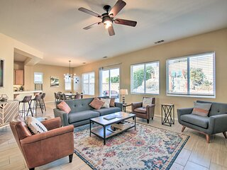 NEW! Desert Escape w/ Outdoor Oasis: 12 Mi to Dtwn