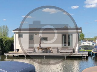 Nice home in Breukelen with WiFi and 2 Bedrooms (HUT025)