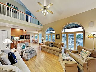 House on the Intracoastal Waterway | Balcony & Private Dock | Walk to Beach