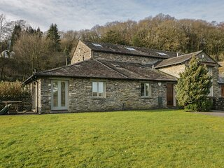 WINSTER FIELDS, lovely views, WiFi, off road parking, near Windermere, Ref