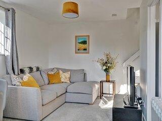 NEW Sleek & Spacious 1BD House with Garden Horsham