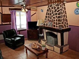 Nice house with terrace & Wifi