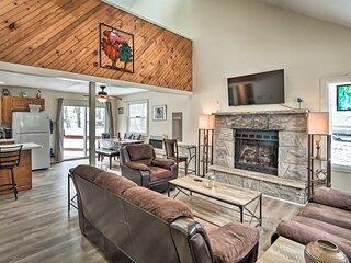 NEW! Poconos Home w/ Community Pool: 2 Mi to Lake!