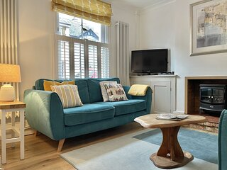 Bailey Cottage - A coastal holiday cottage in Deal, Kent, sleeping 6 with a sunn
