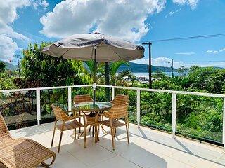 Casa com Wi-Fi e Terraço com Linda Vista p/ o Mar