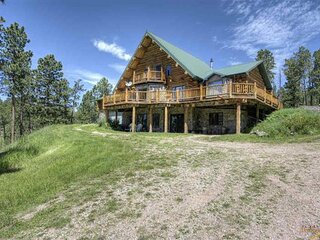 Knotty Pine Cabin