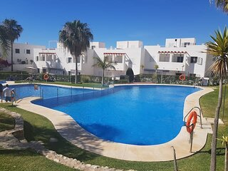 Oasis del Mar I, (III), 2 bedrooms, communal pools, 50 metres from the beach