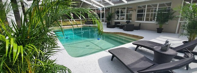 Clearwater HUGE VILLA 3500 sqft with Pool near Beach and Golf.
