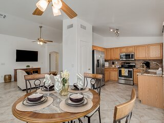 Beautiful 2 bed 2 bath in Springfield Active Adult / 55+ Golf Community