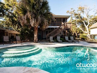 Goldie's Retreat - Private Pool, Screened Porch & Easy Walk to the Beach