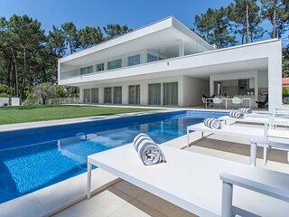 Villa Desiris - New!