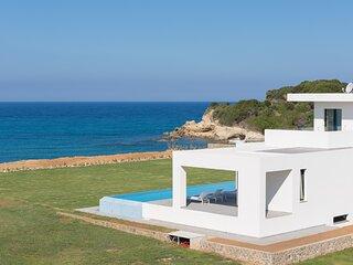 Luxury Seafront Villa Afroditi