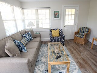Second Floor Condo just one block from Beach and Boardwalk!