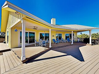 Renovated Home | Huge Deck, Grill, Fireplace | 350 Yards to Cinnamon Beach
