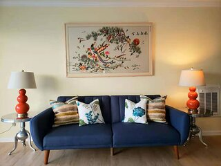 Quiet, newly remodeled condo with pool and beach