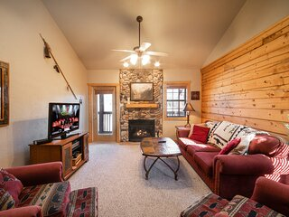 Close to Shows, Shopping & Dining - Cabin in the Heart of Branson