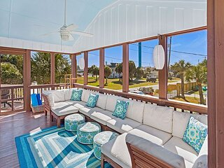Flexible Refund Polices: Fantastic Whimsical Tybee Home, One Block to Beach!