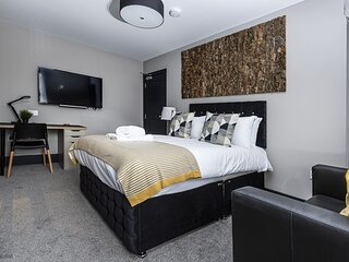 Suite 4 by Bootique Luxury Suites and Studios Wakefield