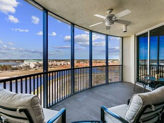 New Listing! Fabulous Views and Sunsets! Golf, Beach, 2 Pools,Tennis at Lost Key