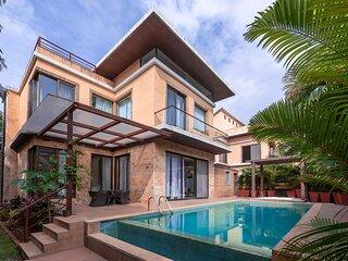 Villa Pratishtha by Vistarooms