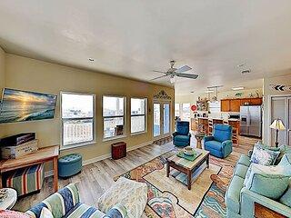 Casa Azul | Gulf-View Screened Porch & Rooftop Deck | Beach Club Access