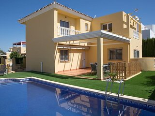 Villa Sorbas, Modern 3 bedrooms, Private Pool, 10 minute drive to Mojacar Beach