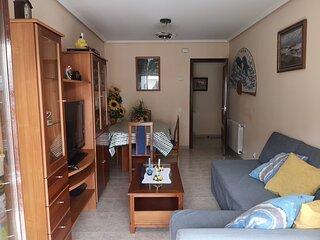 Precioso apartamento  exterior y soleado situado a 100m de la Playa de RIS, Noja