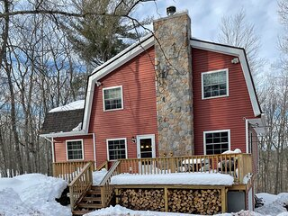 Masthope Ski In Ski Out, Totally Renovated, Gorgeous Views, Private cul-de-sac
