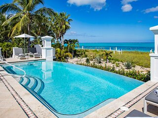 BEACH FRONT PROPERTY! 6 Bedroom on Grace Bay Beach ,Sleeps 14